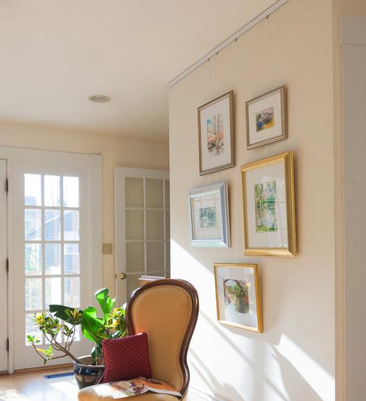 450 Sunny Wall Galleryone