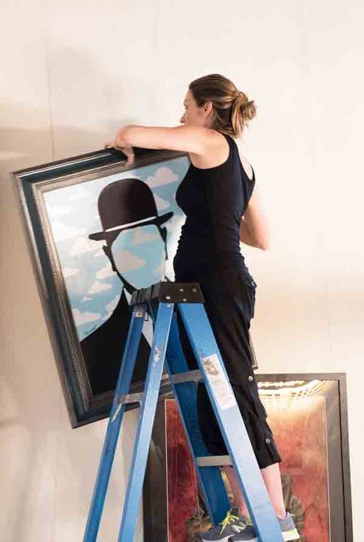 Picture Hanging Systems for Art Gallery Displays